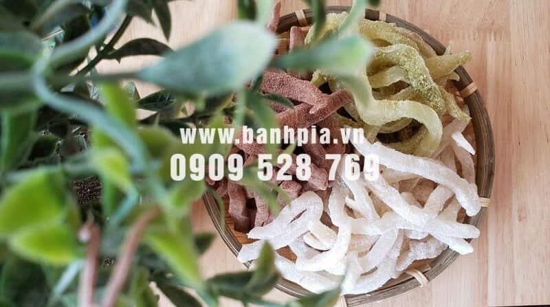 Mua mứt dừa non ở sài gòn và những điều nên biết về loại đặc sản này