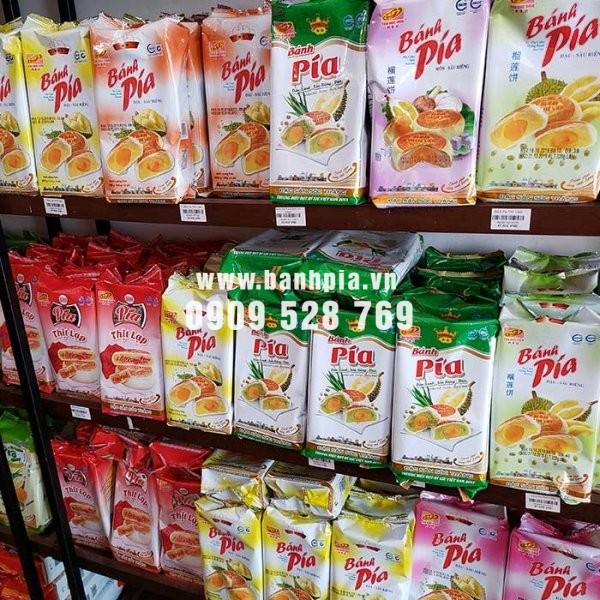 Combo đặc sản Sài Gòn làm quà - 10 cây bánh pía trứng
