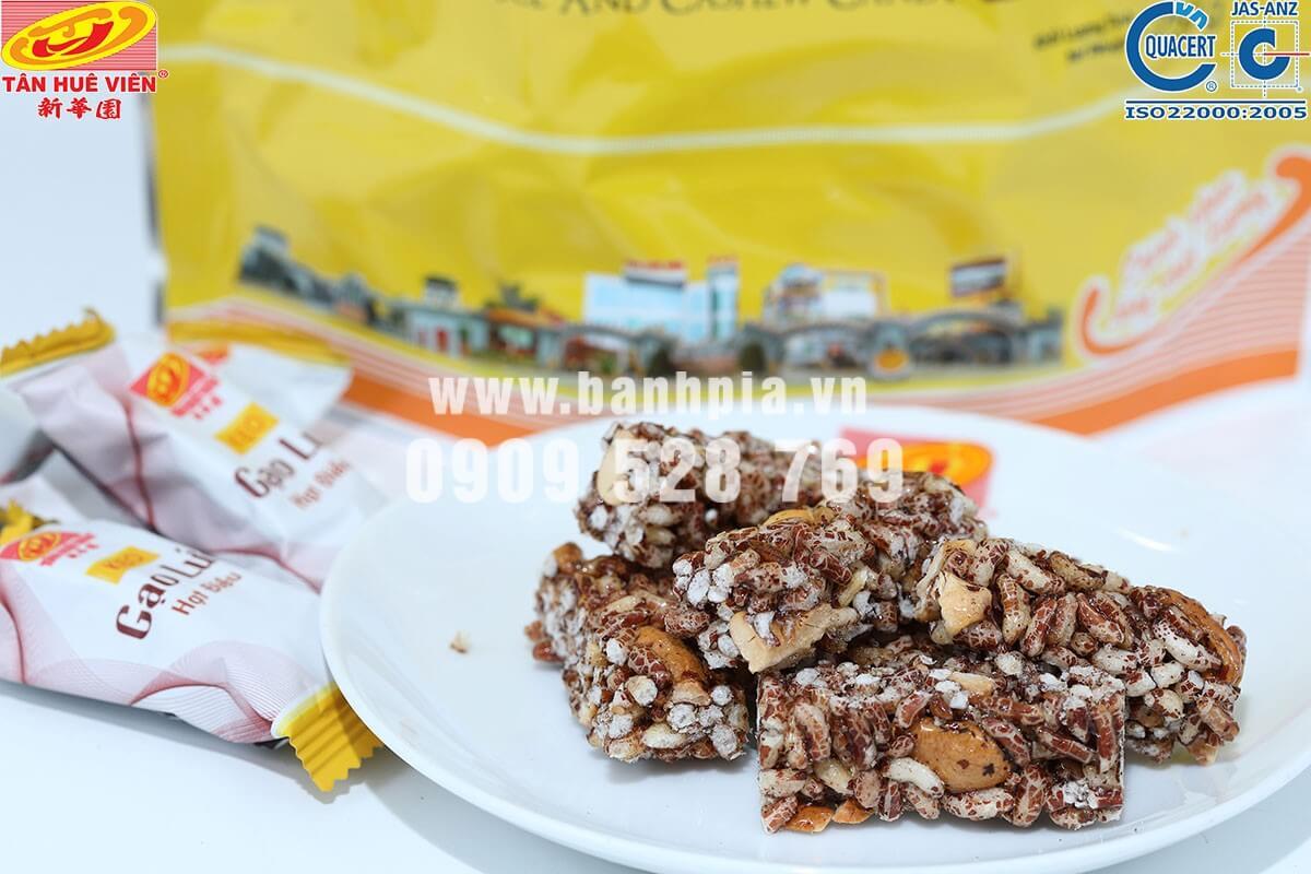 Kẹo gạo lứt hạt điều chứa nhiều chất dinh dưỡng cho cơ thể